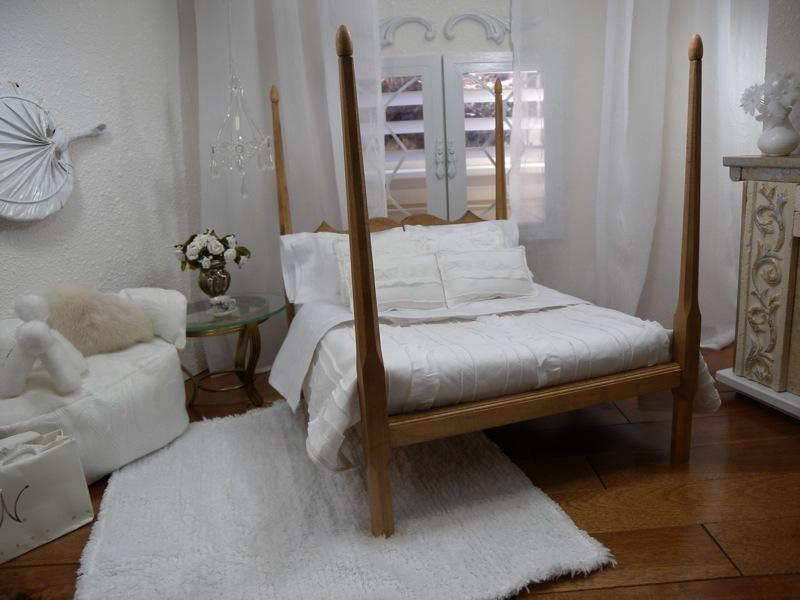 Mēbeles un interjeri / Кукольная мебель и интерьеры LLBED017.white.linen%20-%2020